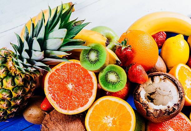4-superfruits-essential-diet